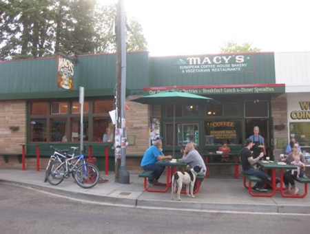 Macy's European Coffee House and Bakery pet friendly restaurants in Flagstaff